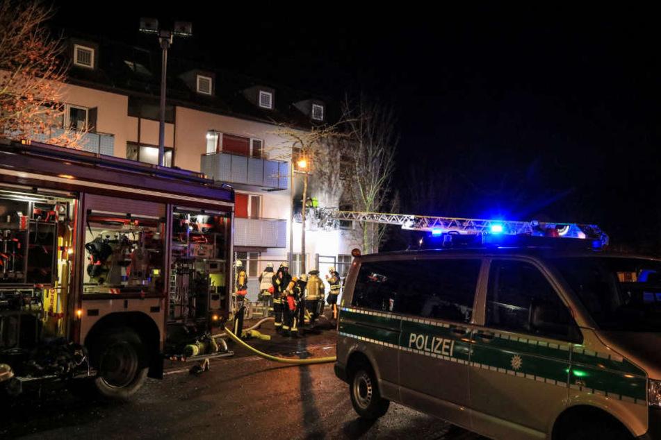 In einer der Wohnungen brach ein Feuer aus.