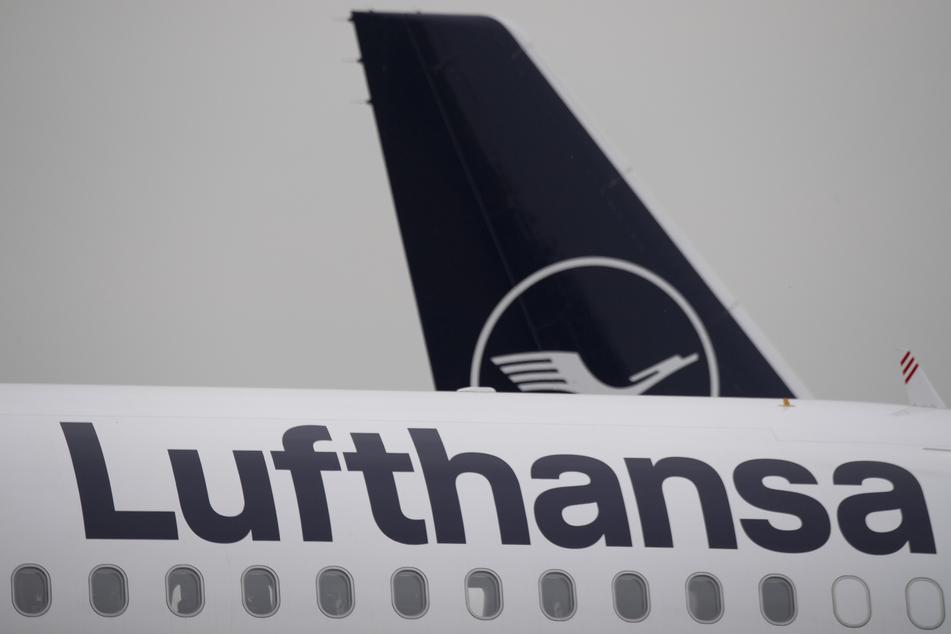 Die Bundesregierung und das Lufthansa-Management haben sich nach Informationen der Deutschen Presse-Agentur grundsätzlich auf milliardenschwere Staatshilfen für die Fluggesellschaft geeinigt.