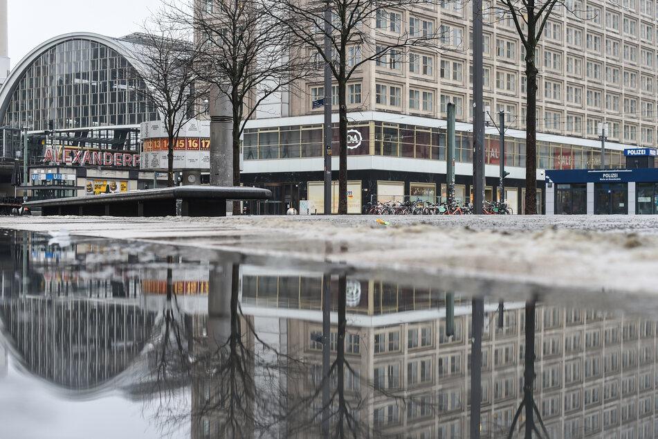 Auch in den kommenden Tagen warten Berliner und Brandenburger vergeblich auf Sonne und Wärme.