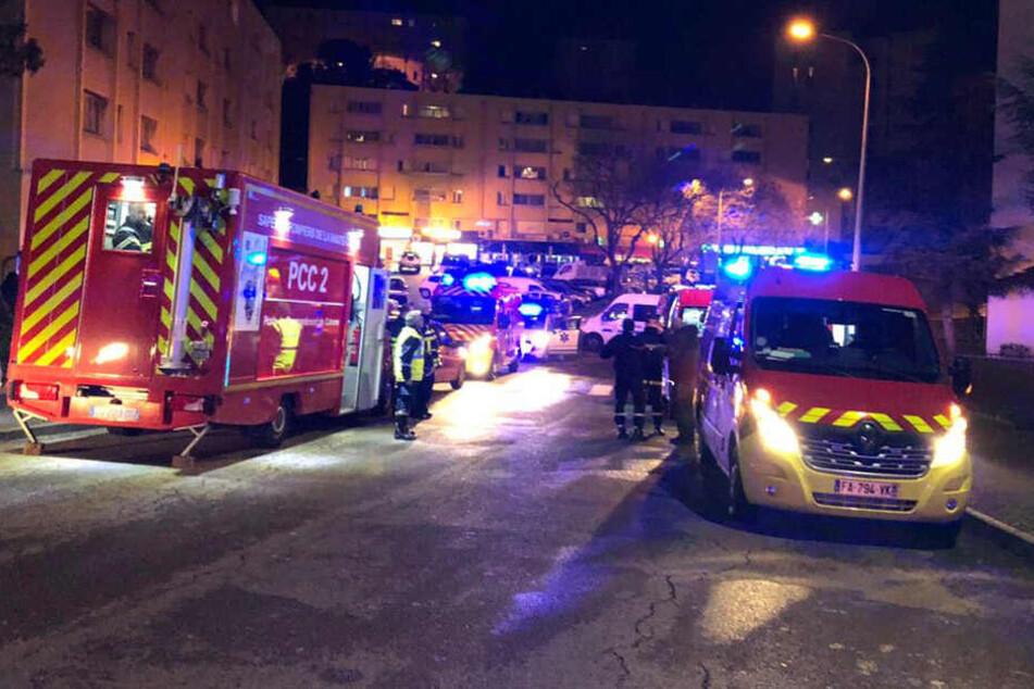Bei Schüssen auf der französischen Mittelmeerinsel Korsika ist ein Passant getötet worden mehrere wurden verletzt