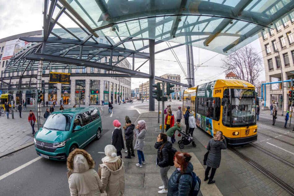 Der Verkehr in Dresden wandelt sich: Immer mehr Radler sind unterwegs, der Autoverkehr nimmt ab.