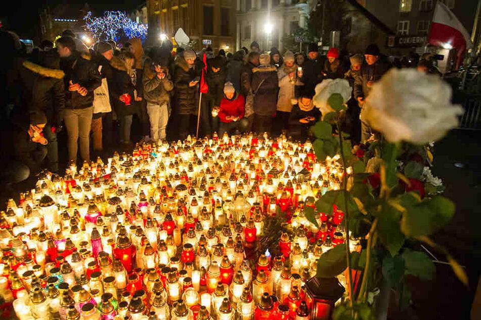 Der tödliche Anschlag auf den Danziger Bürgermeister, Pawel Adamowicz, hat Polen geschockt und in tiefe Trauer gestürzt.
