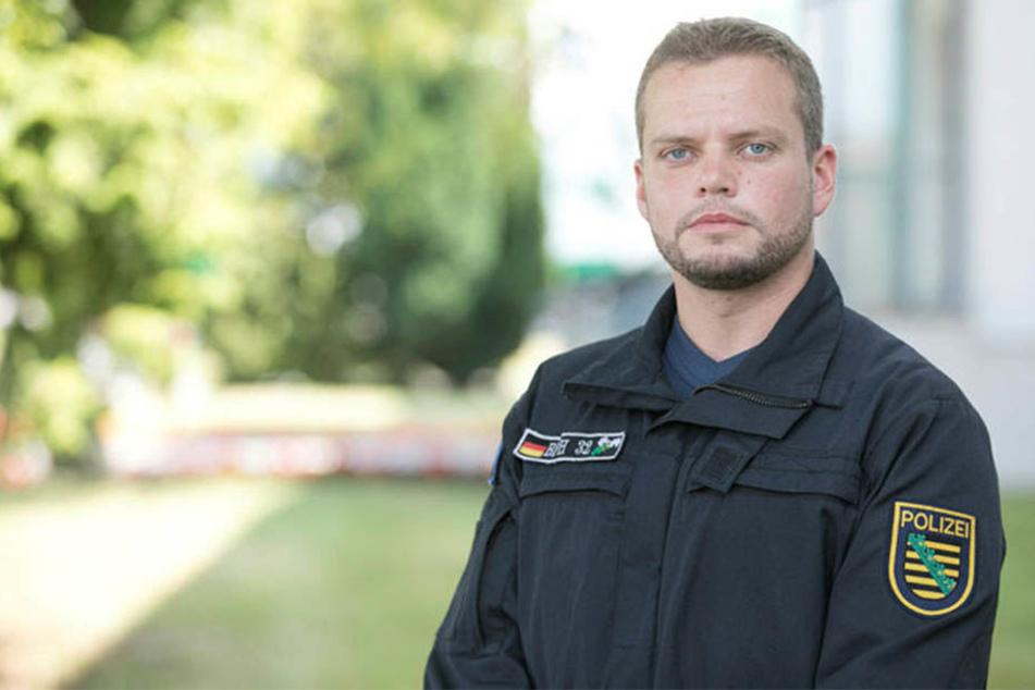 Polizeioberkommissar Michael Specht (32) zeigte sich schockiert über die Ausschreitungen.