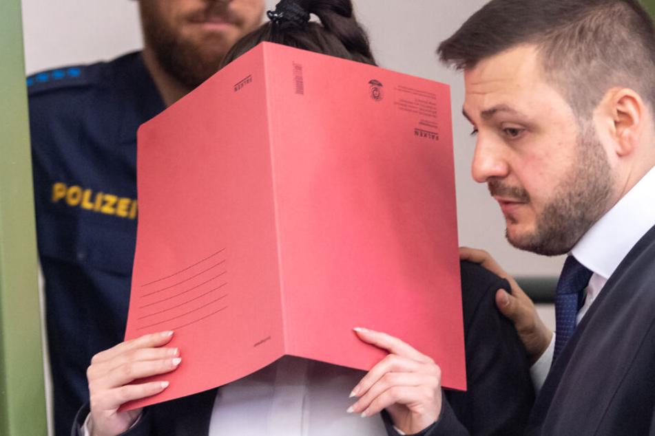 In München wird der Prozess gegen Jennifer W. vor dem OLG fortgesetzt.
