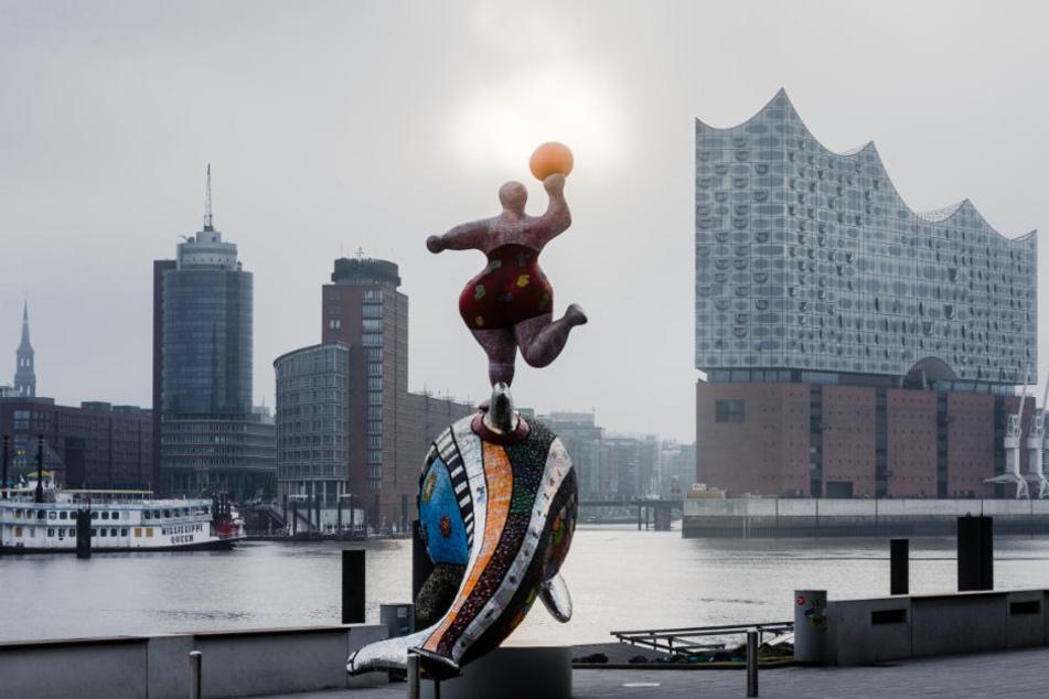 Wer in Hamburg arbeitet erhält statistisch mehr Geld als in anderen Bundesländern (Symbolfoto).