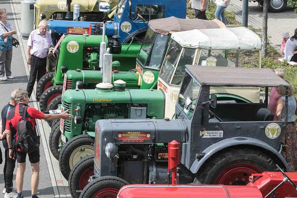 Traktoren bildeten beim Oldtimer-Treffen eine eigene Kategorie.