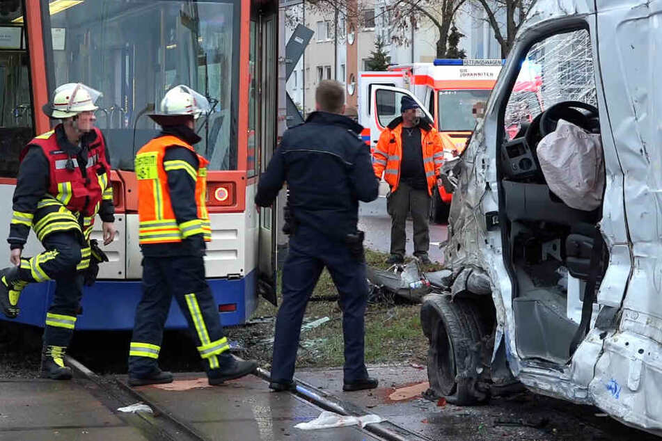 Der Crash ereignete sich in der Wilhelm-Leuschner-Straße in Griesheim.