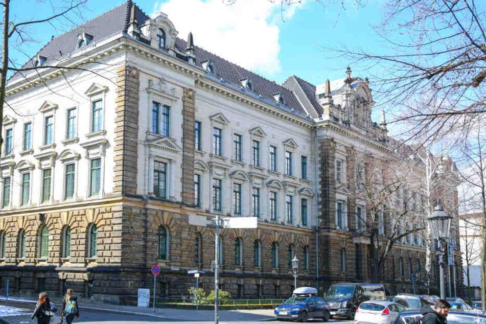 Verseucht: Das Ministerium auf der Hospitalstraße in der Dresdner Neustadt.