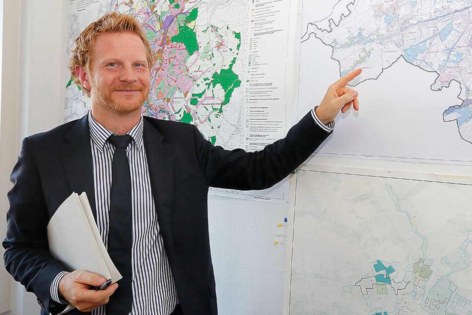 Baubürgermeister Michael Stötzer (44, Grüne) muss das Regenüberlaufbecken neu planen lassen.