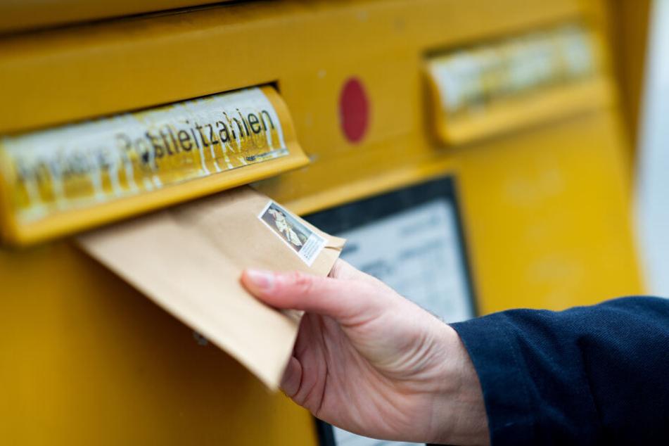 Viele Briefe kamen nie an ihrem Ziel an, da sie von dem Mann im Zustellstützpunkt abgefangen wurden. (Symbolbild)