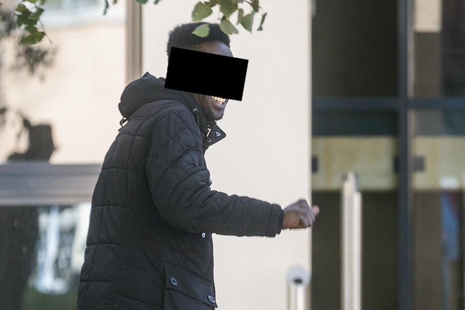 """Mohamed Youssef T. (22), genannt """"King Abode"""" schwänzte am Freitag einen Prozess."""
