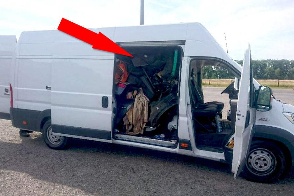 In diesem Transporter stecken zwei Renaults