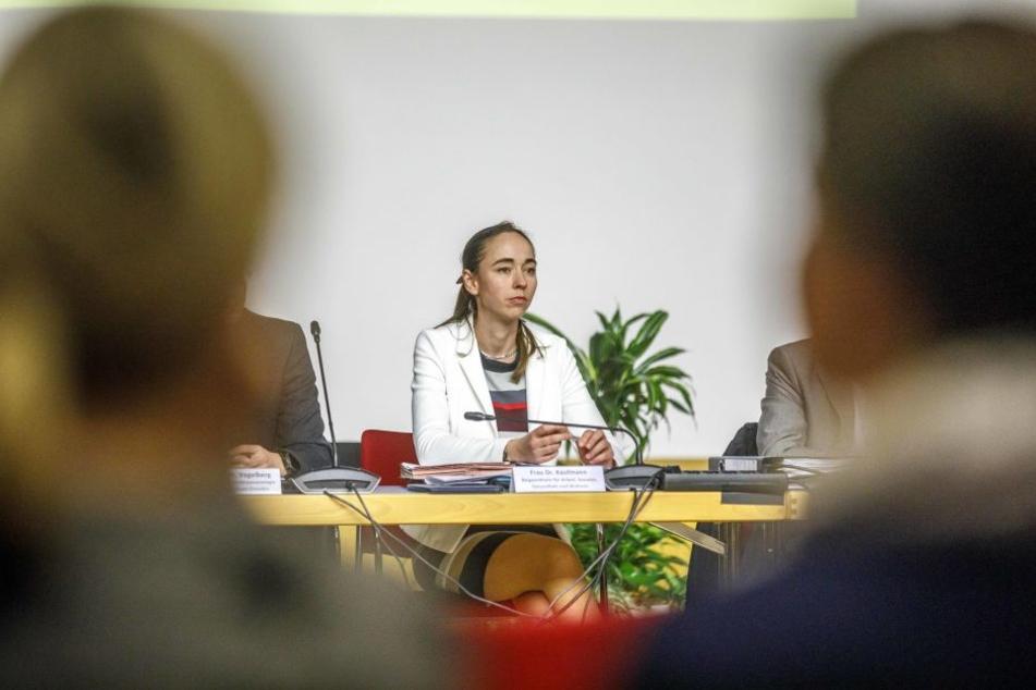 Sozialbürgermeisterin Kristin Kaufmann (41, Linke) stand am Donnerstag Rede und Antwort.