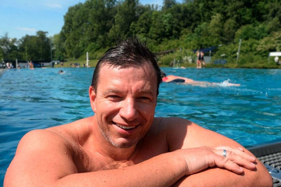 Für sein Vorhaben trainiert André Wiersig auch gerne im Schwimmbad.