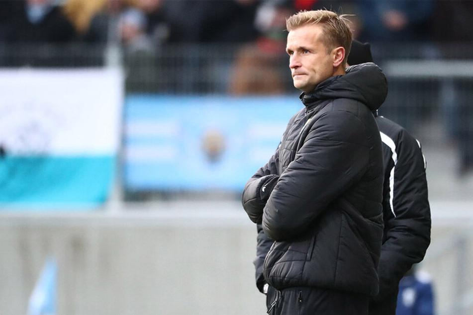 Seit einem Jahr steht David Bergner als CFC-Trainer an der Seitenlinie. Anfang Januar 2018 löste er den erfolglosen Horst Steffen ab, konnte den Abstieg aber nicht verhindern. Aktuell stehen die Weichen auf direkter Wiederaufstieg.