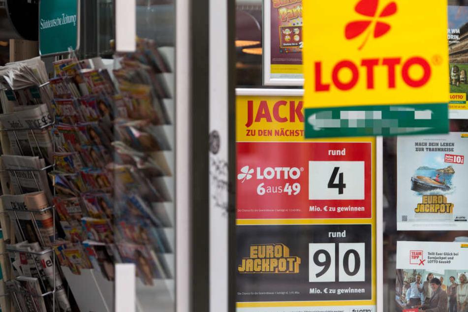 Der fatale Fehler des 71-Jährigen: Er löste den Lottoschein im eigenen Kiosk ein (Symbolbild).