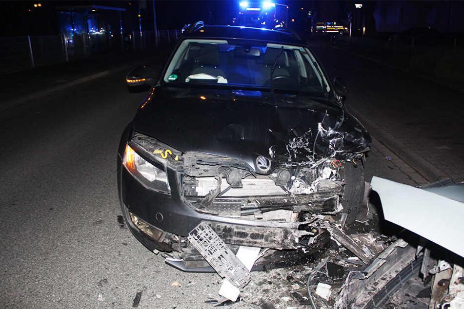 Beim Überholen krachte der Skoda in einen Toyota.