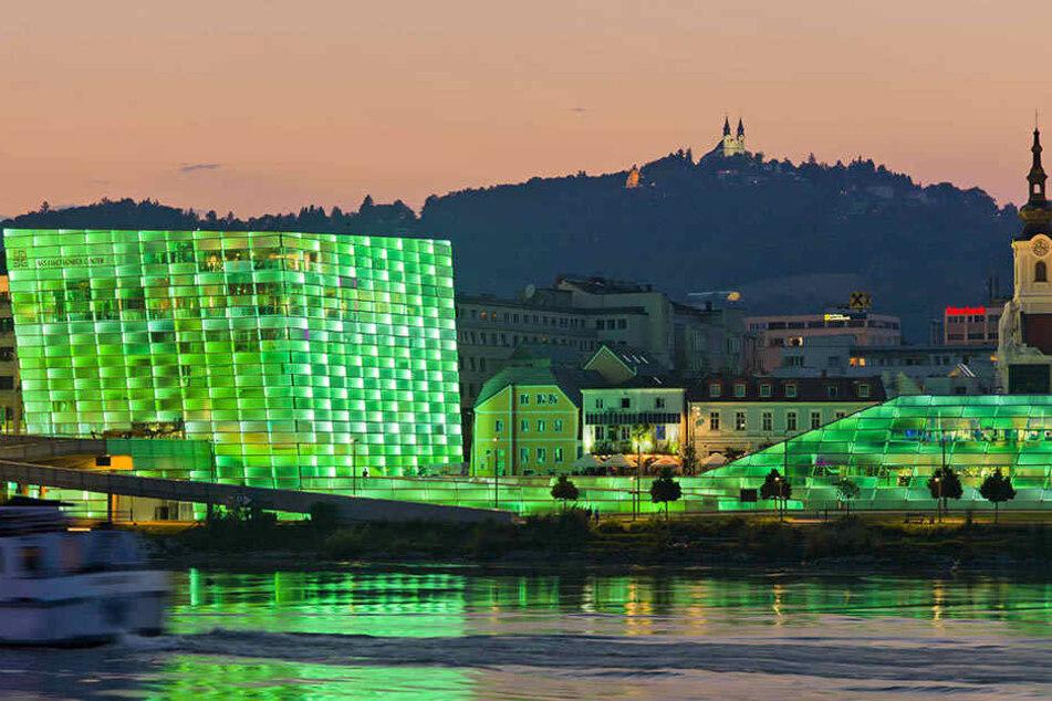 """Das """"Ars Electronica""""-Festival hüllt Linz in futuristische Farben. Es wird  auch die Chemnitzer """"Industrie 4.0""""-Ausstellung betreuen."""