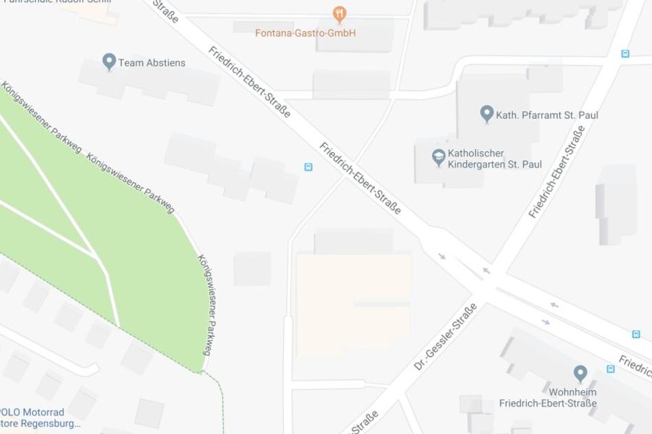 Die Bombe wurde an der Baustelle in der Dr.-Gessler-Straße, Ecke Friedrich-Ebert-Straße gefunden.