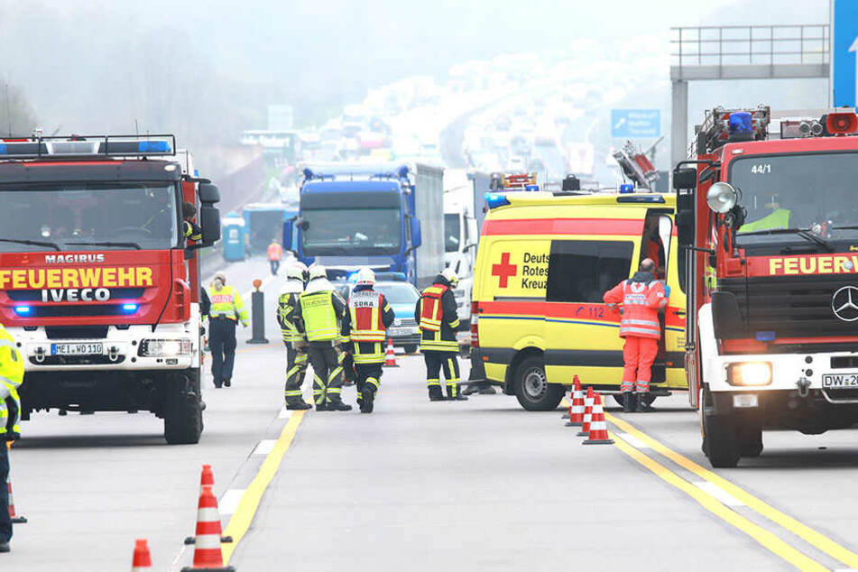 In Fahrtrichtung Dresden staut es sich auf der Autobahn 4.