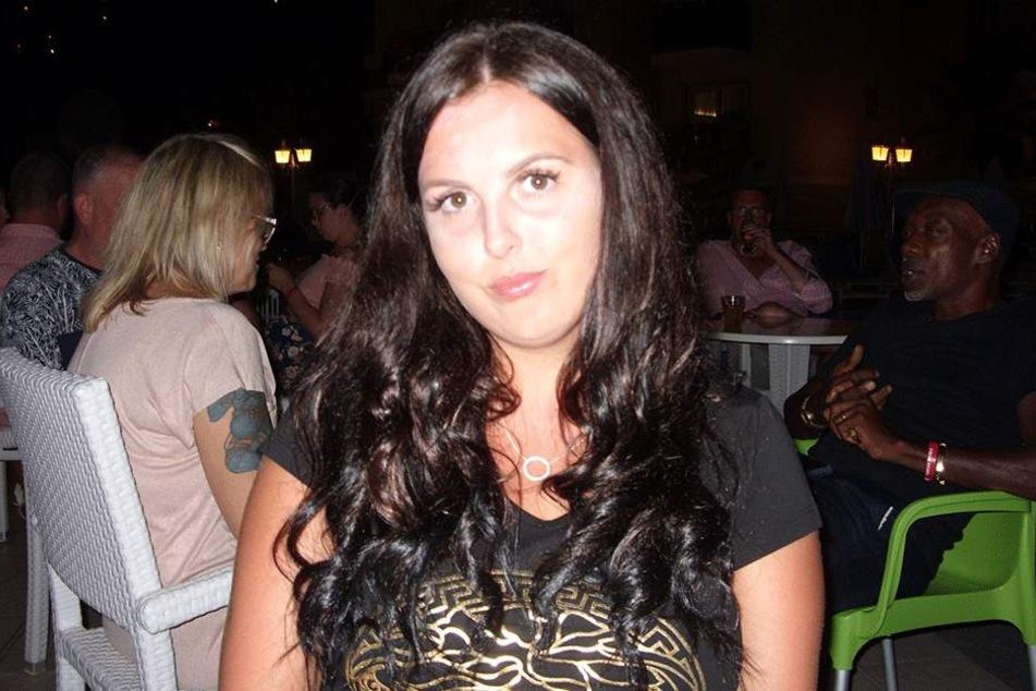 Amy Gallagher vor ihrem Friseurbesuch.