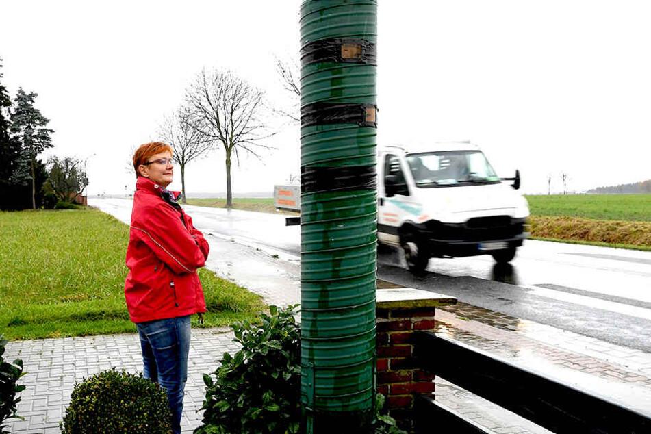 Ein Paar aus Niedersachsen will mit der Blitzer-Attrappe gegen Raser vorgehen.