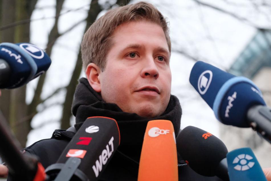 Vor der Diskussionsveranstaltung in der Leipziger Südvorstadt spricht Juso-Chef Kevin Kühnert offen aus, was er von der Personaldebatte der letzten Tage hält: nichts.