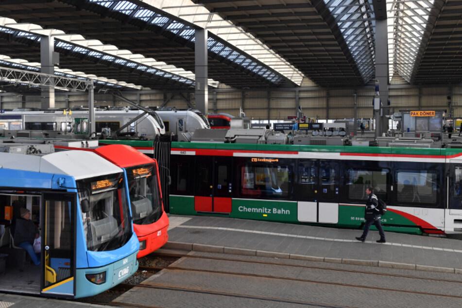 Tödliches Drama: Fahrradfahrer wird von Straßenbahn mitgerissen