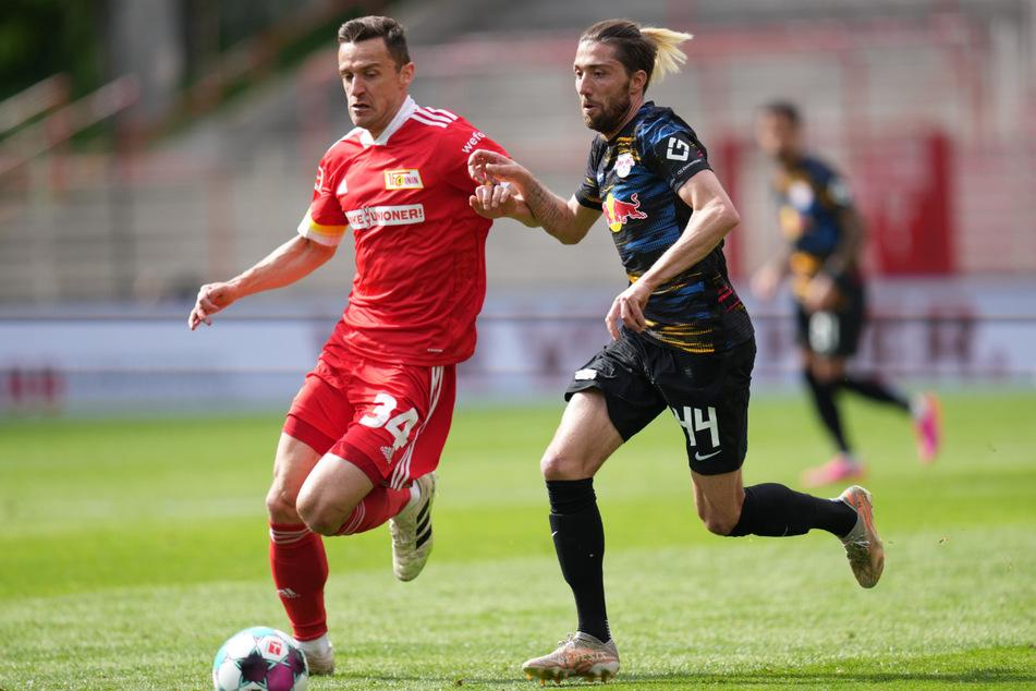 Unions Christian Gentner (35, l.) im Zweikampf mit Leipzigs Kevin Kampl (30). Für den 35-Jährigen ist es das letzte Spiel im Trikot der Eisernen.