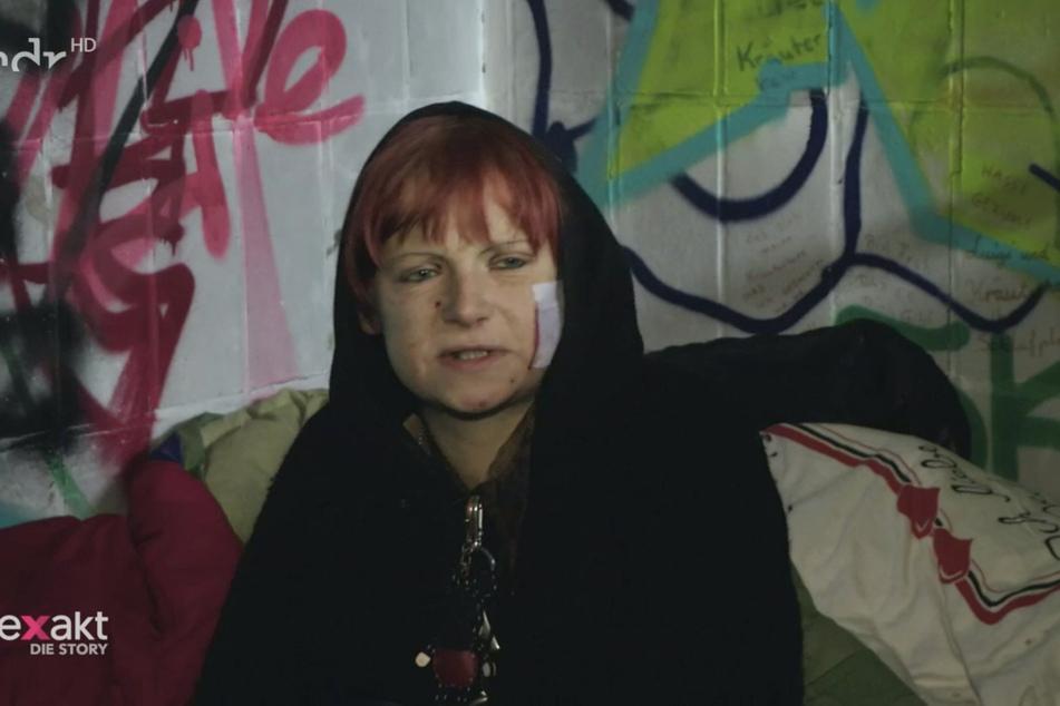 Nadine (31) war körperlich völlig am Ende, wollte sich selbst therapieren.