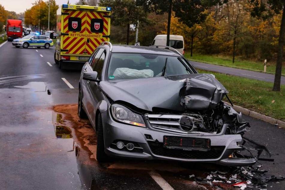 Böser Crash! Zwei Verletzte bei Auffahrunfall in Dresden