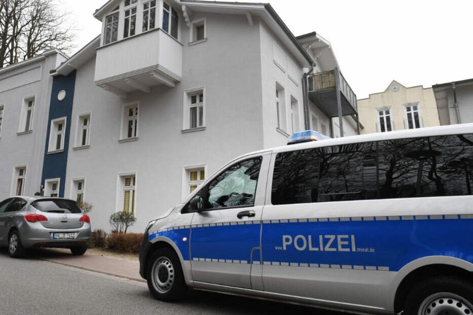 Die Polizei sucht weiter nach den Tatwaffen.
