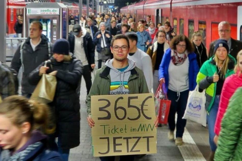 Tobias Kuch (21) hat die Petition für das 365-Euro-Ticket gestartet.