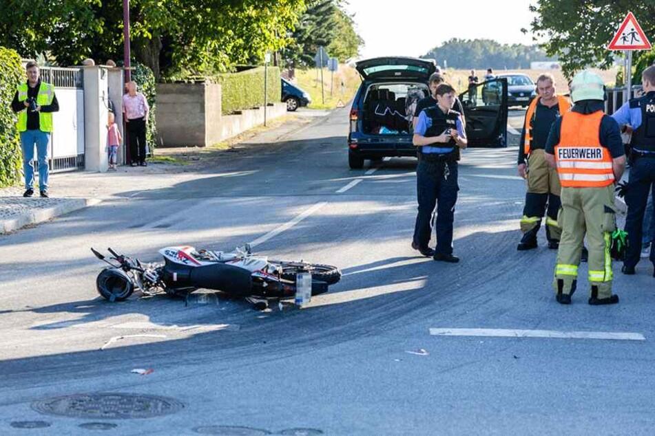 Der Krad-Fahrer wurde bei dem Crash schwer verletzt.