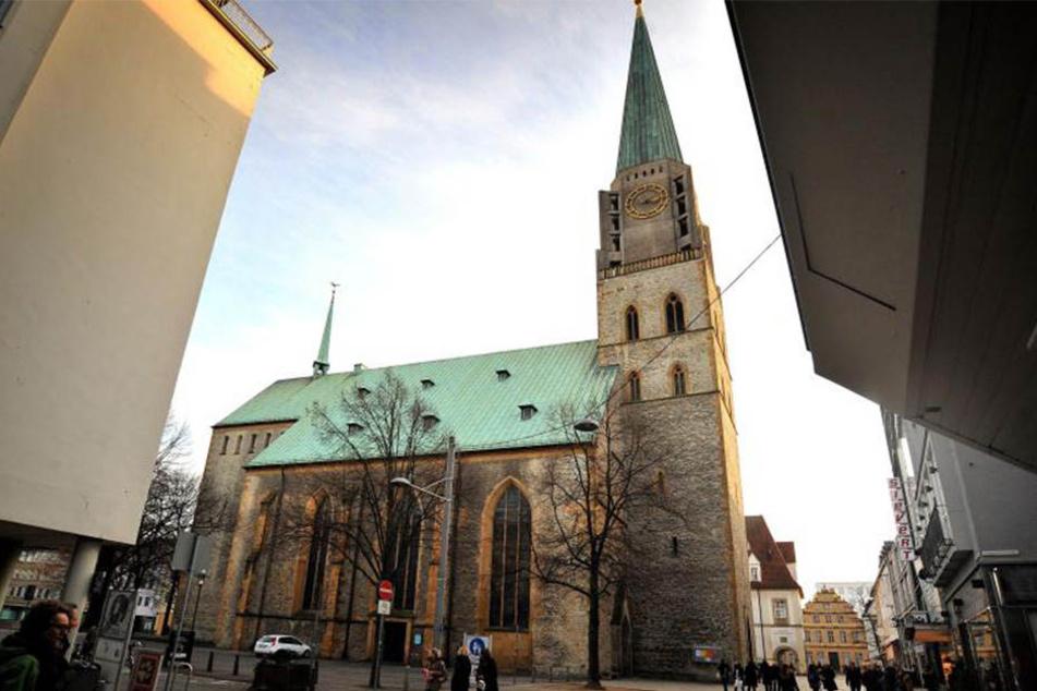 Die Altstädter Nicolaikirche lacht noch bis zum 7. Mai über Bielefeld. Dann ist Schluss mit der Klanginstallation.