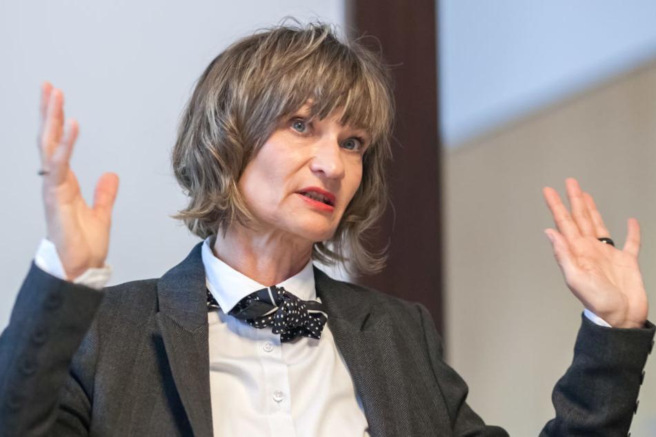 OB Barbara Ludwig (55, SPD) beruft eine Sondersitzung des  Stadtrates ein.