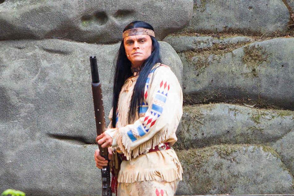 Kann sich auf neue schlagfertige Kampfgegner freuen: Winnetou alias Berndt-Canana auf der Felsenbühne Rathen.