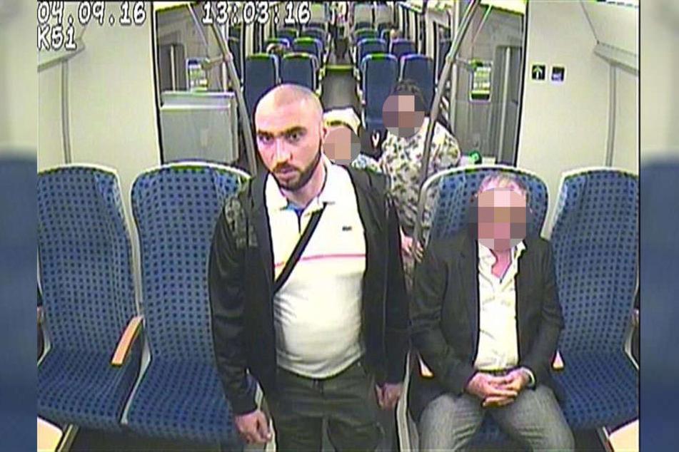 Wer hat diesen Mann gesehen? Er hatte im September 2016 in einem Regionalzug ein Mobiltelefon geklaut.