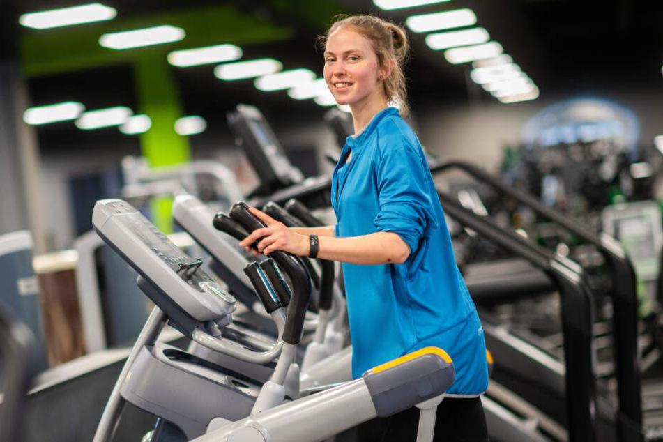 """Alanna (30) startete schon am Neujahrstag ihr Training im Fitnessstudio """"Fit 1""""."""