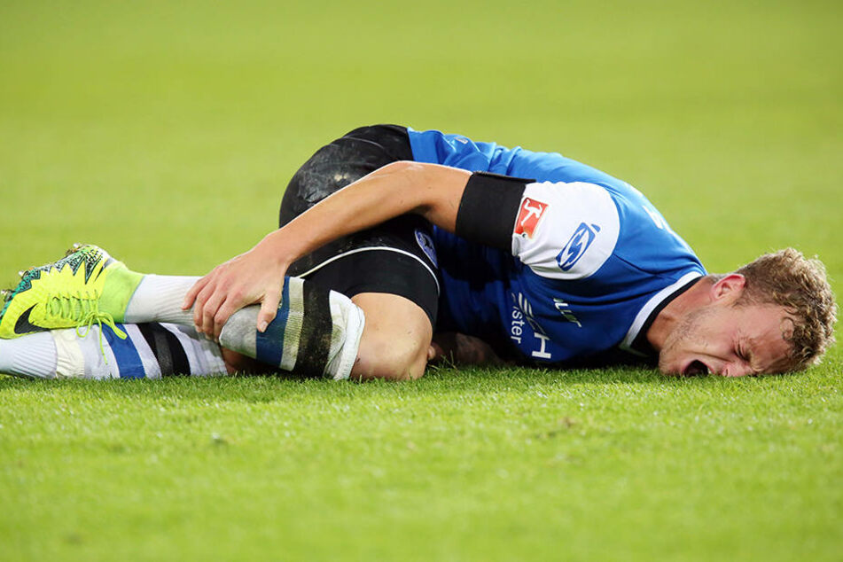 Schon während des Spiels gegen die Würzburger Kickers lag Hemlein am Boden.