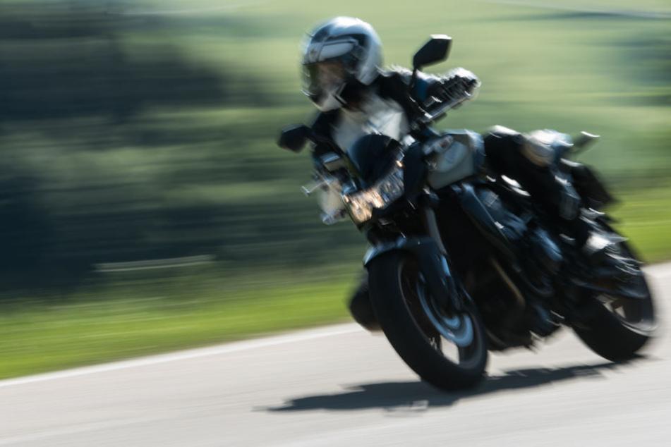 Die zwei Männer waren in Osthessen mit ihren Motorrädern unterwegs als es zu dem Unfall kam. (Symbolbild)