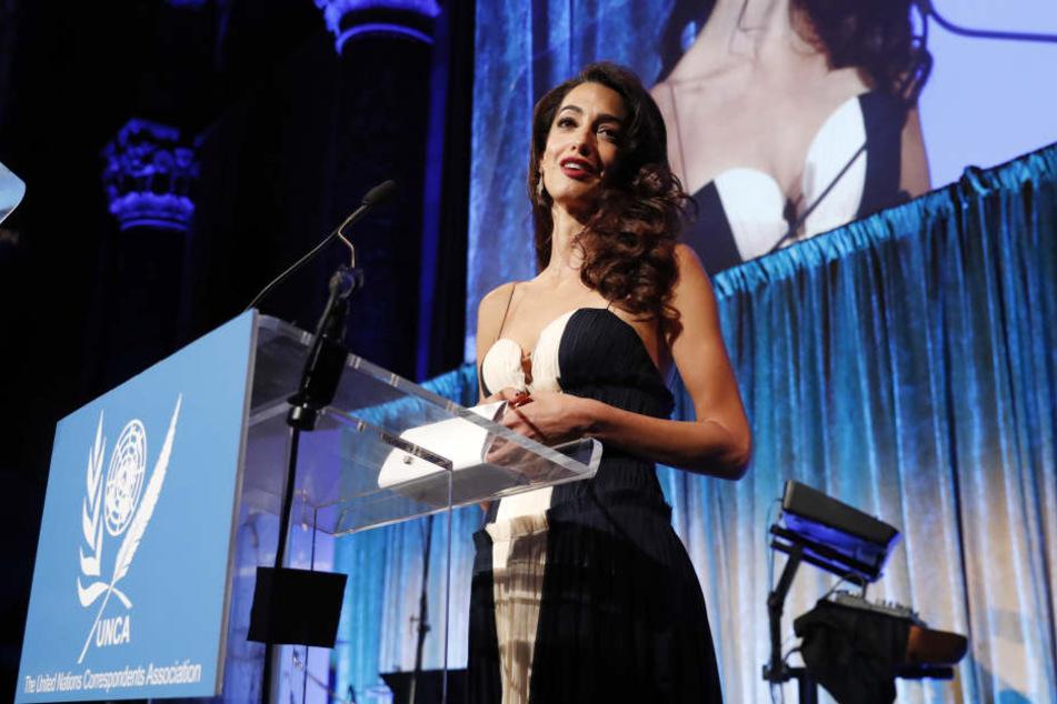 Amal Clooney (40) hielt eine Rede auf der Preisverleihung der United Nations Correspondents Association.