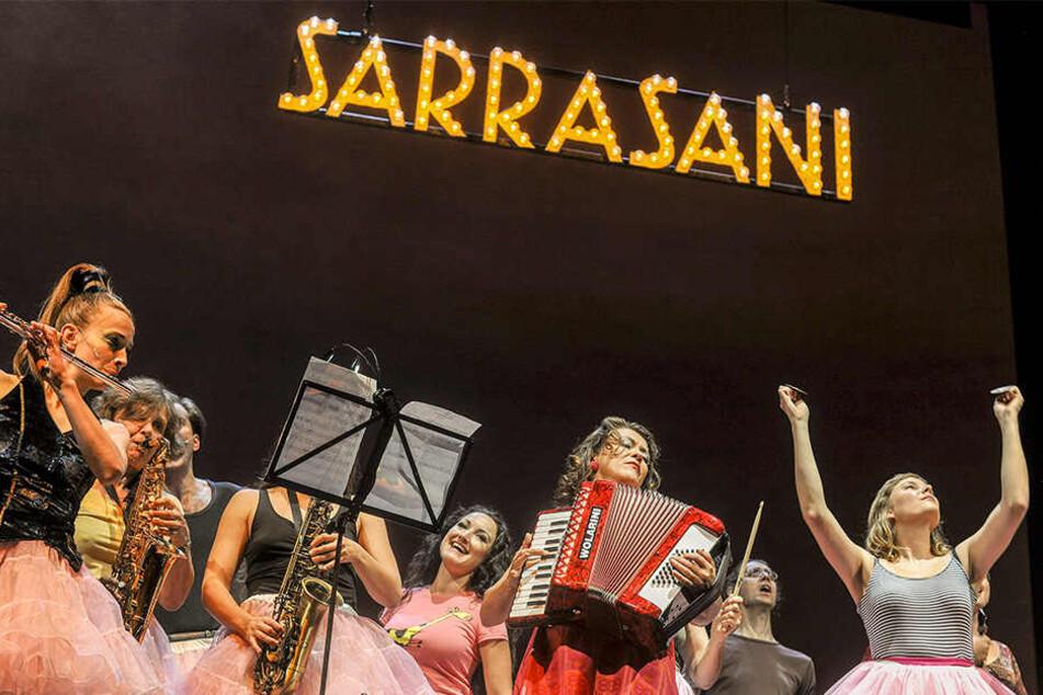 """Circus Sarrasani präsentiert """"The Greatest Show on earth""""."""