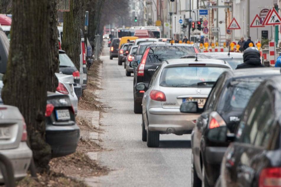 In Leipzig sollen Dieselfahrer auch weiterhin ungestört auf den Straßen unterwegs sein. (Symbolbild)