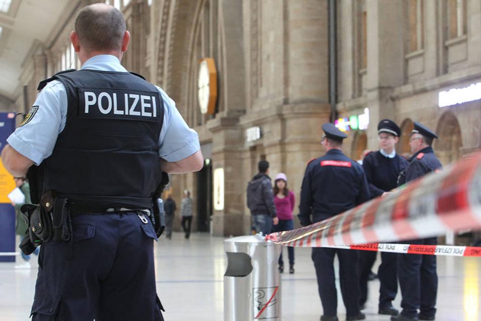 Ein Streit zwischen Fans der Vereine Chemie Leipzig und Hansa Rostock im Leipziger Hauptbahnhof führte zu einem Großeinsatz der Bundespolizei. (Symbolbild)
