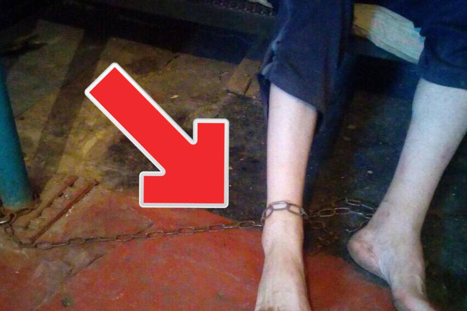 Mutter kettet ihren kranken Sohn (36) aus Habgier an einer Eisenkette fest