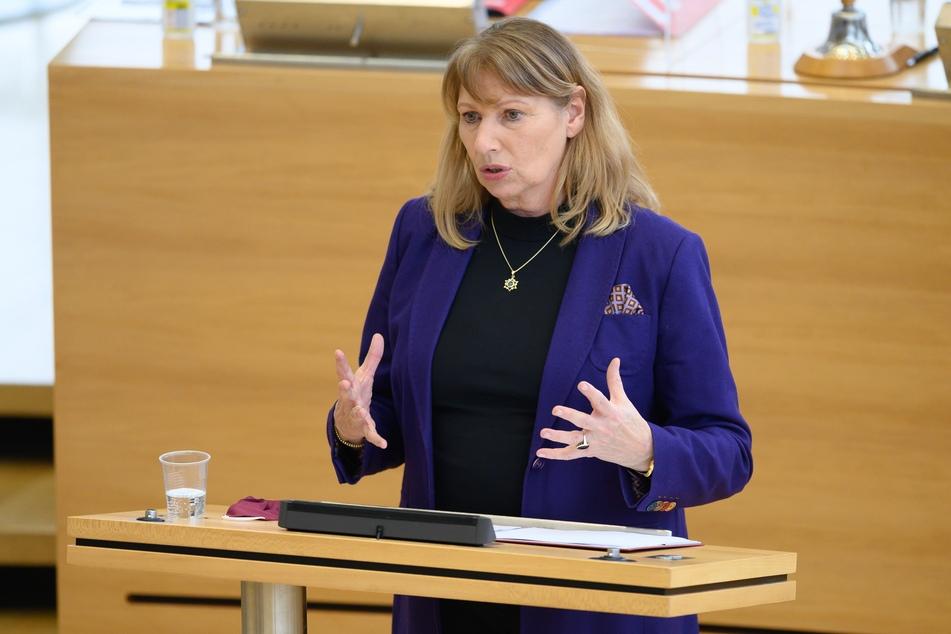 Petra Köpping (62, SPD) denkt über die Einführung einer FFP2-Maskenpflicht in Sachsen nach.