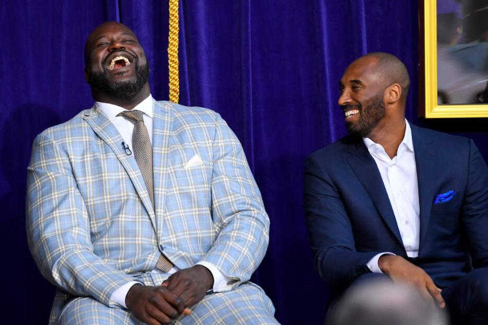 Shaquille O'Neal (l) und sein ehemaliger Teamkollege bei den Los Angeles Lakers Kobe Bryant.