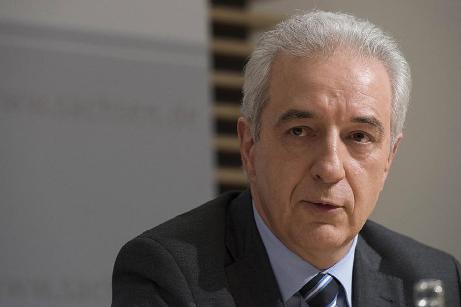 """Stanislaw Tillich (57, CDU):""""Der Suizid hätte verhindert werden müssen, in jedem Fall."""""""
