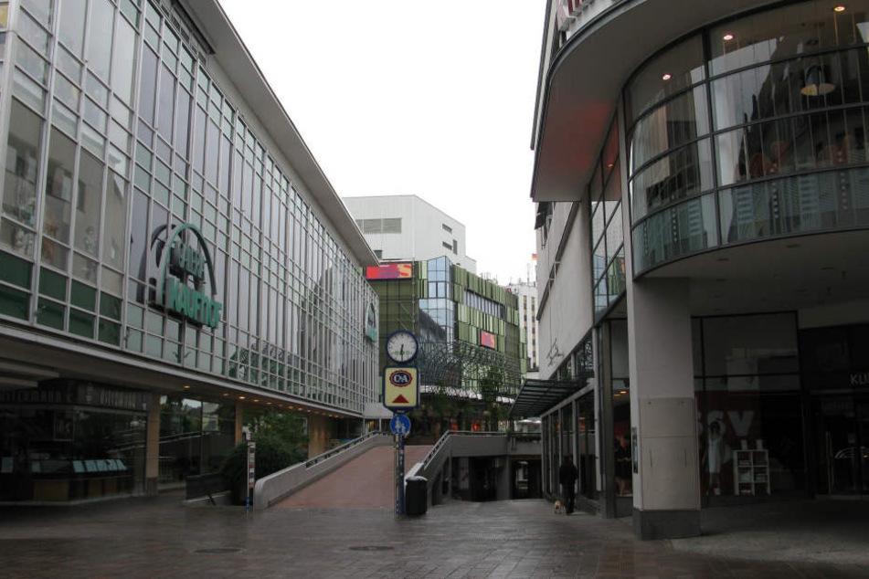 Die fast menschenleere Paderborner Innenstadt. Sieht so die Fußgängerzone der Zukunft aus?
